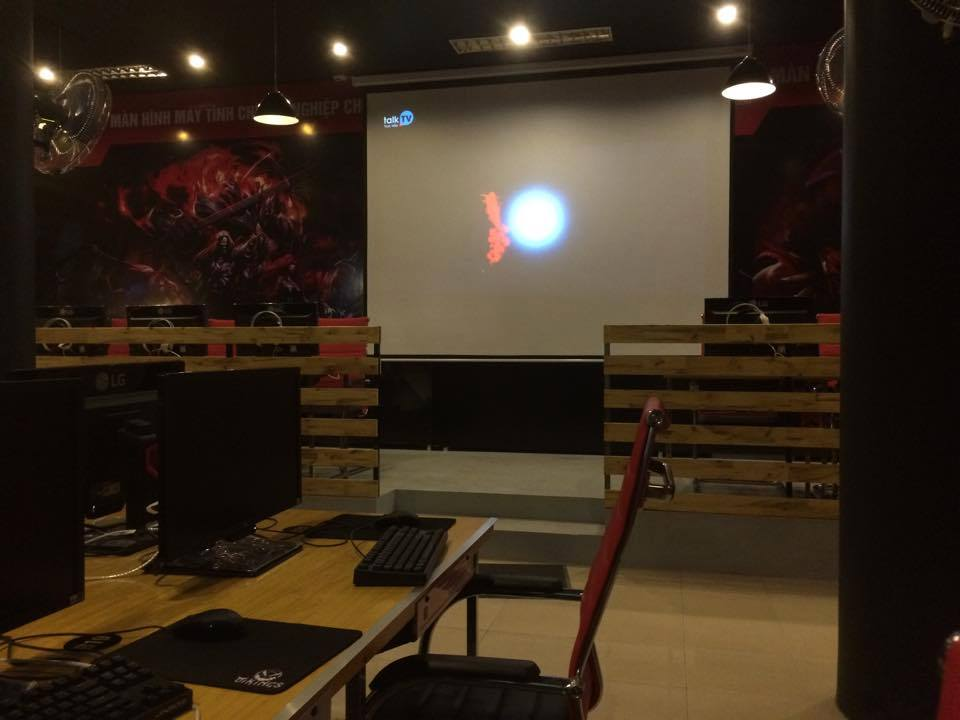 Vikings-CyberCafe-1